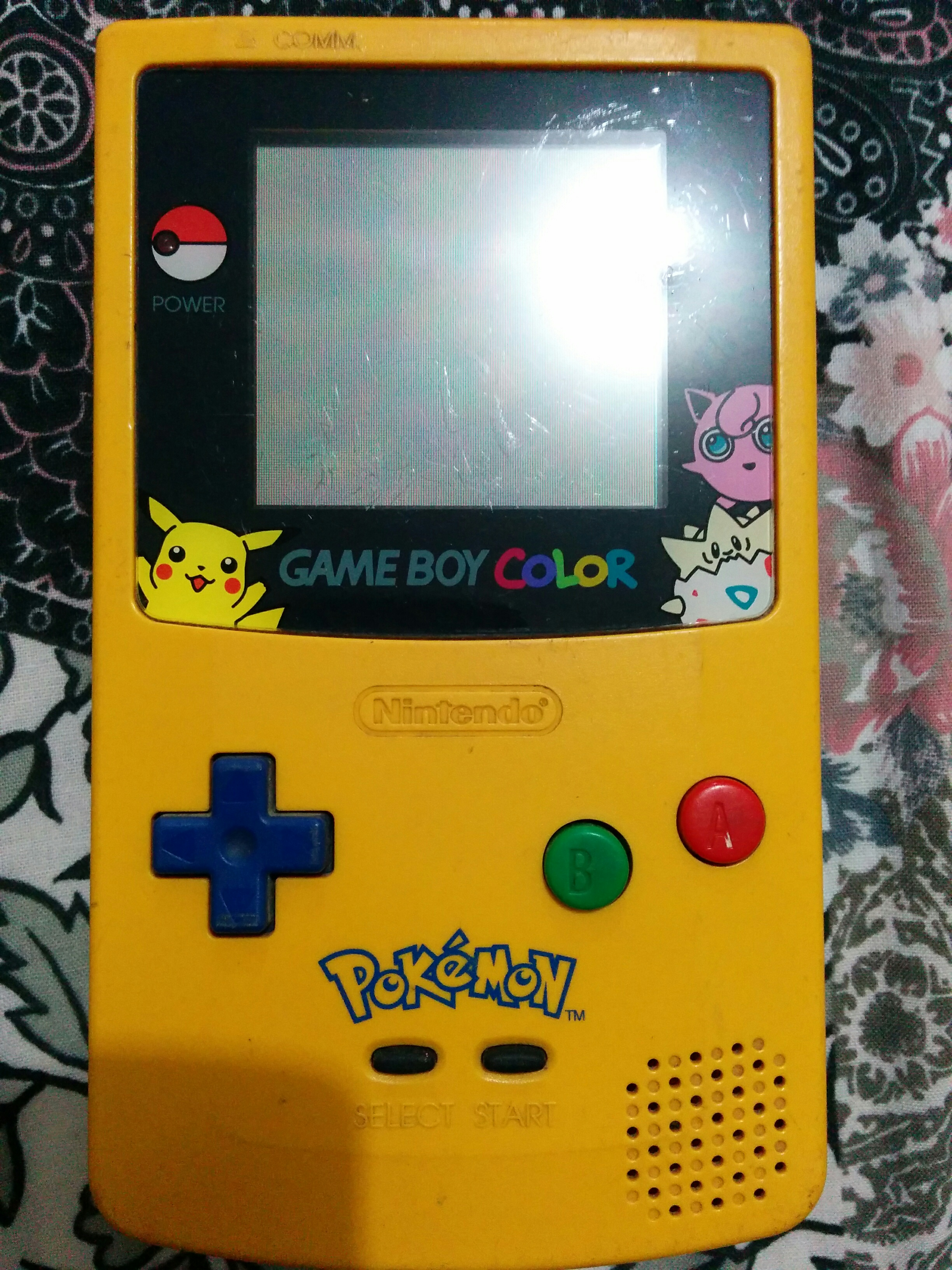 Gameboy color and pokemon yellow - Game Boy Color Pok Mon Yellow Special Edition Front